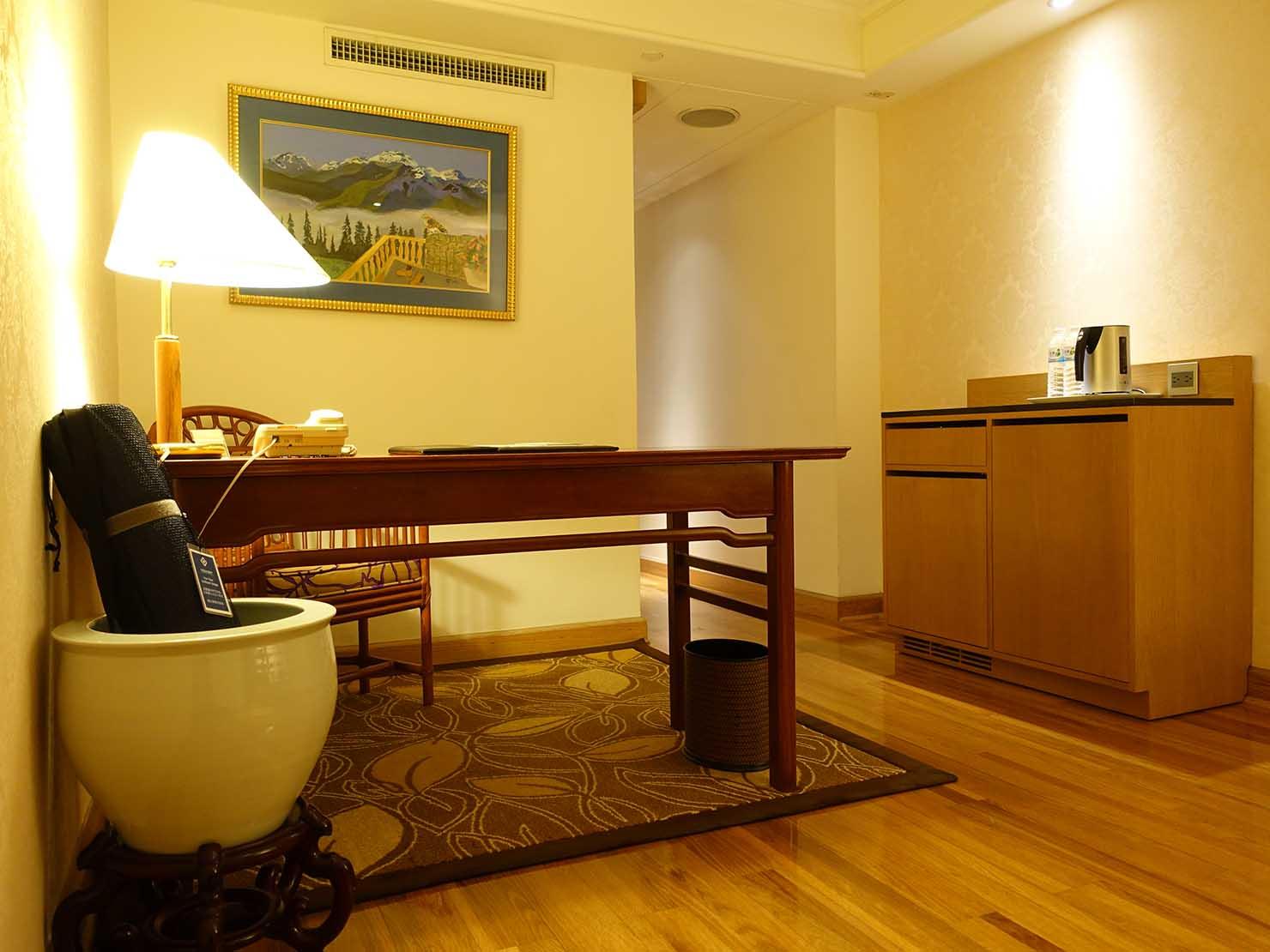 台北のおすすめ4つ星ホテル「歐華酒店(リビエラホテル)」エグゼクティブダブルルームのエントランス