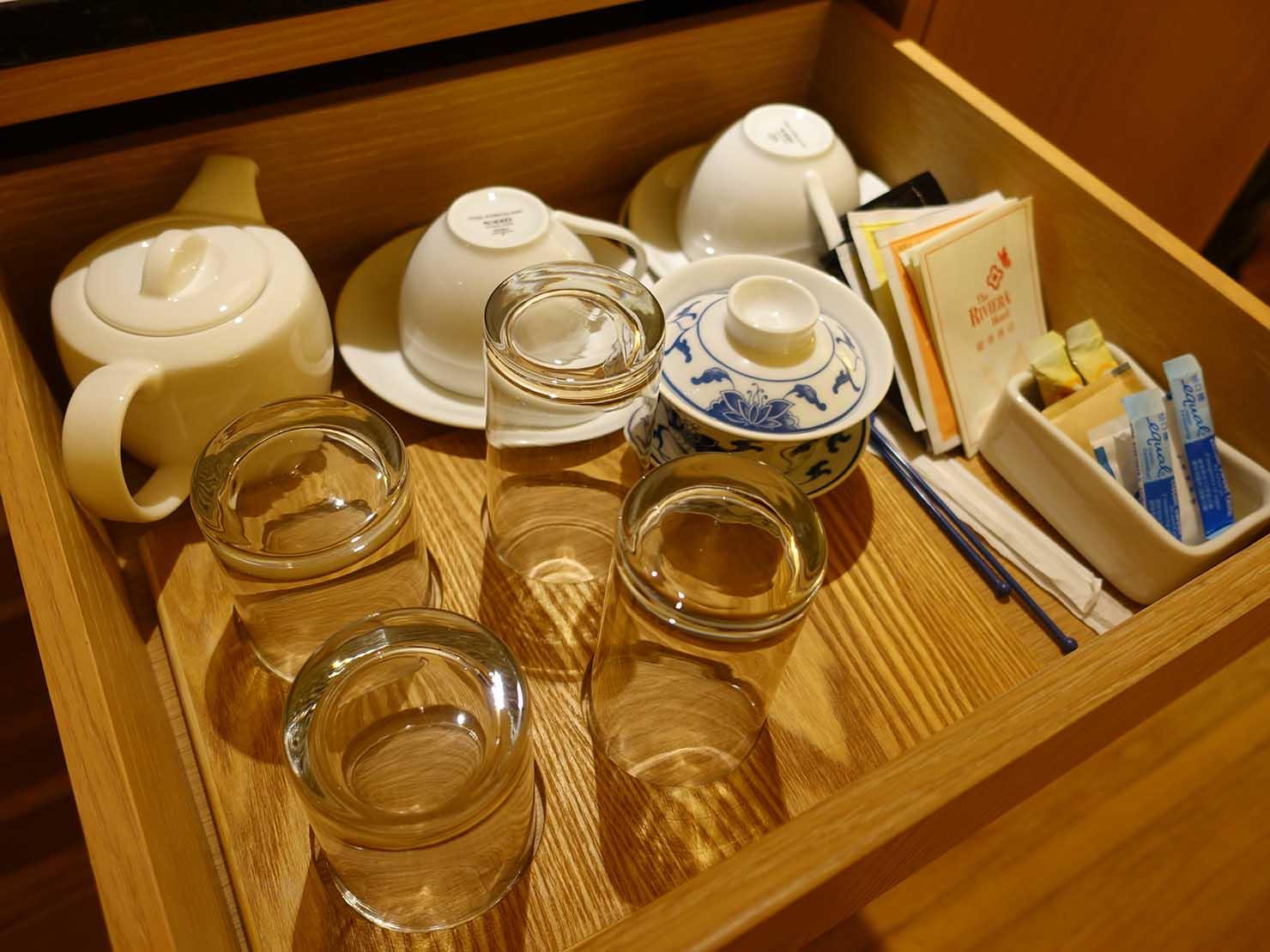 台北のおすすめ4つ星ホテル「歐華酒店(リビエラホテル)」エグゼクティブダブルルーム備え付けのコップ類