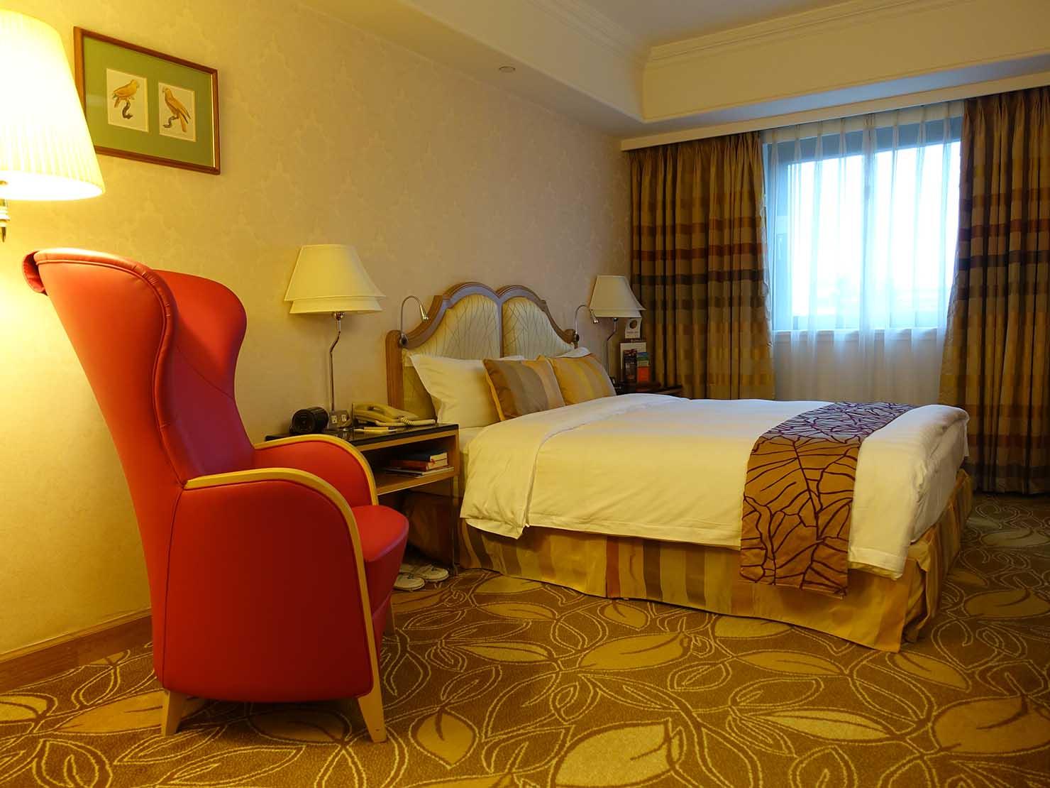 台北のおすすめ4つ星ホテル「歐華酒店(リビエラホテル)」エグゼクティブダブルのベッドルーム