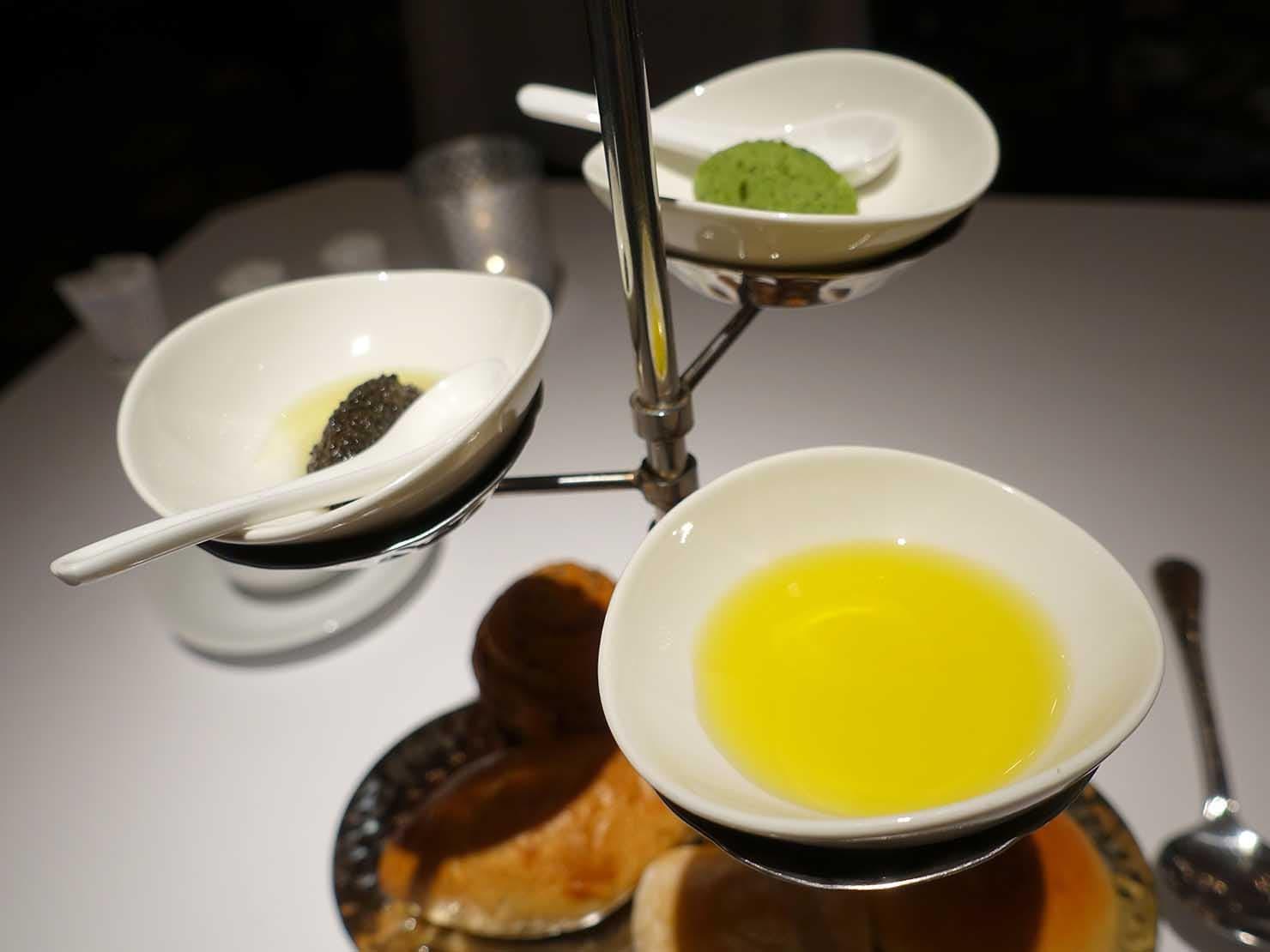 台北の4つ星ホテルにあるステーキハウス「地中海牛排館」のパンに合わせるソース類
