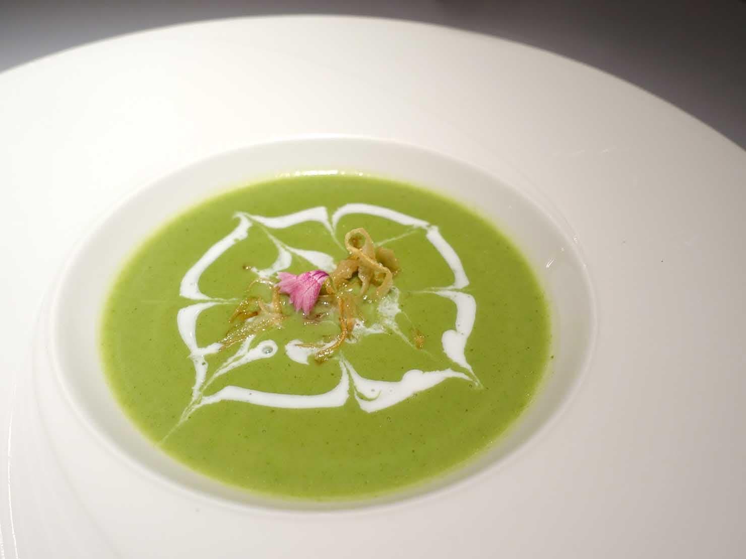 台北の4つ星ホテルにあるステーキハウス「地中海牛排館」の菠菜濃湯(ホウレンソウのポタージュ)