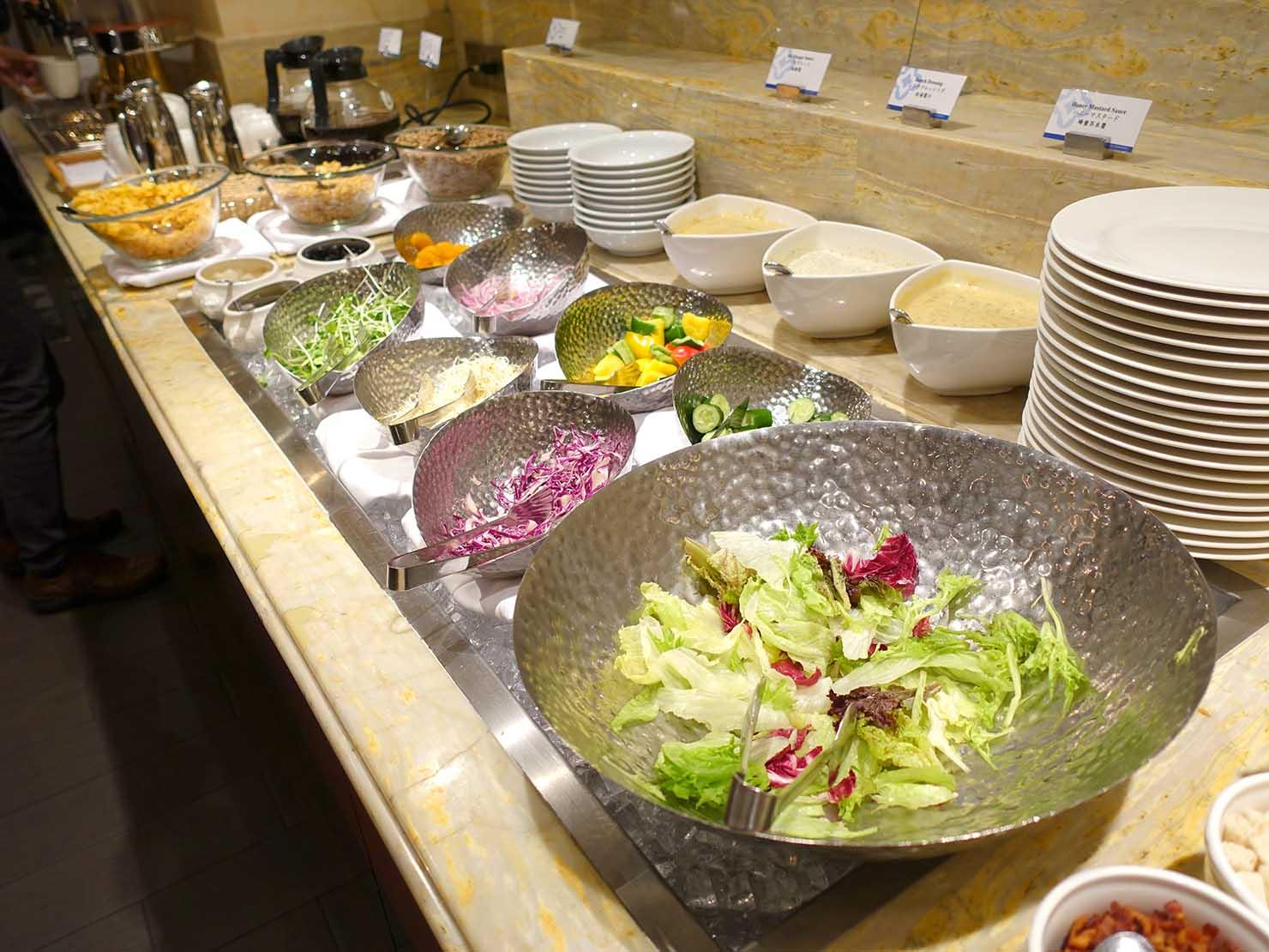 台北のおすすめ4つ星ホテル「歐華酒店(リビエラホテル)」のビュッフェモーニング(サラダ)