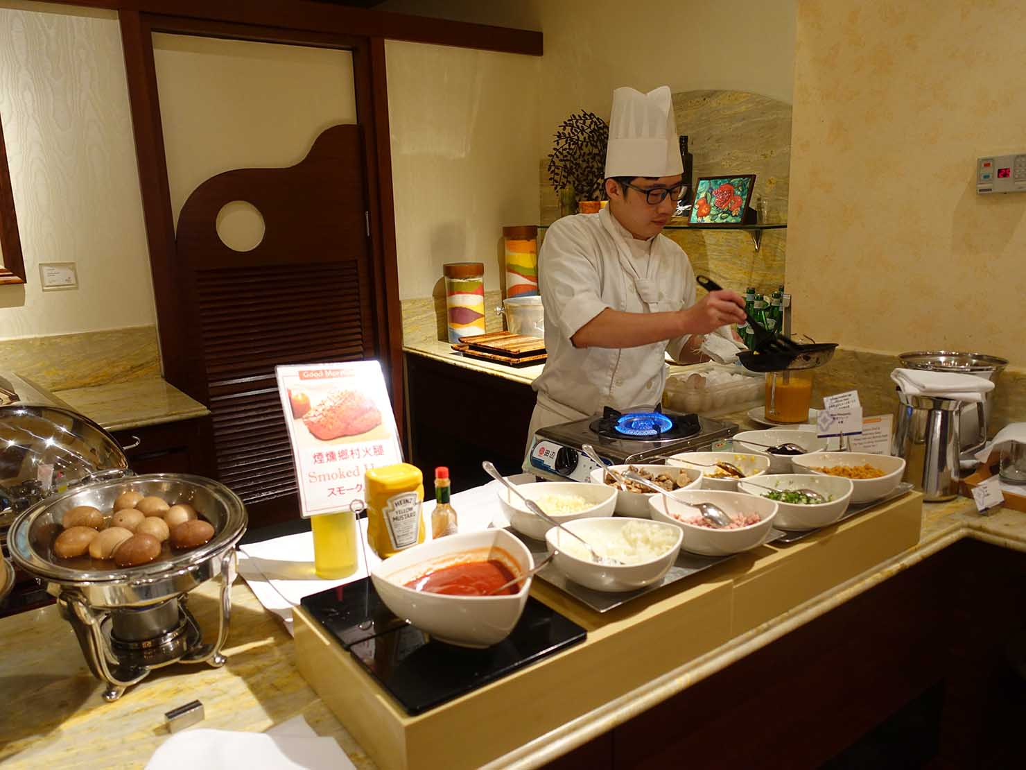 台北のおすすめ4つ星ホテル「歐華酒店(リビエラホテル)」のビュッフェモーニング(オムレツ)