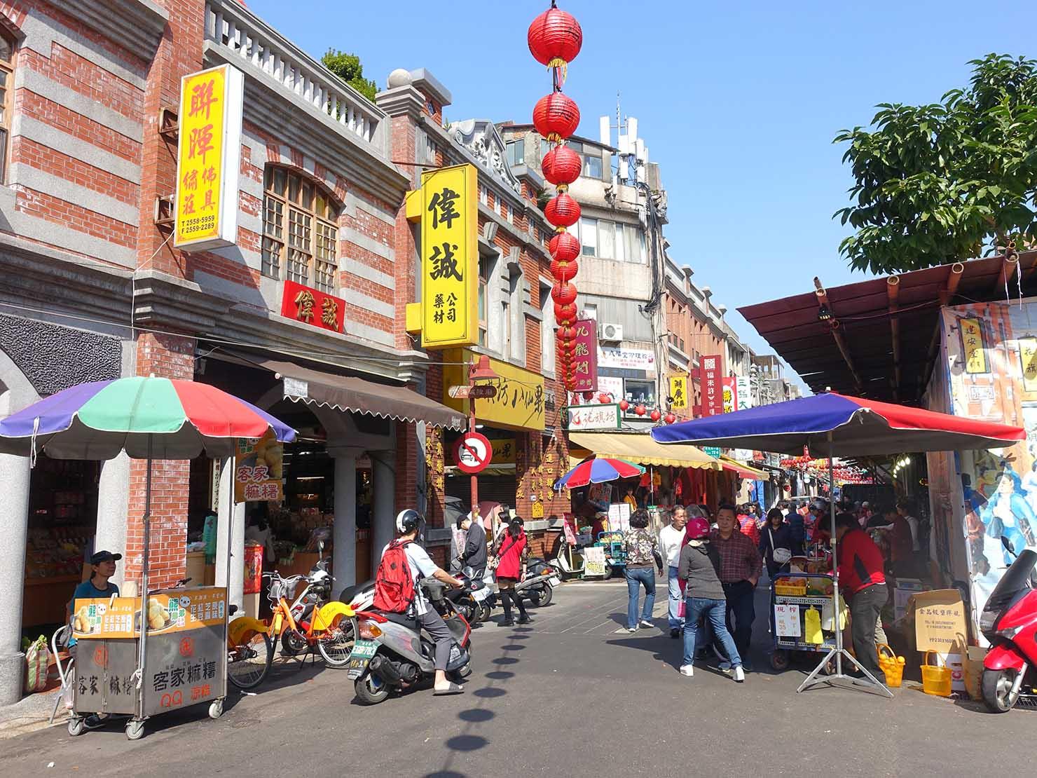 春節(旧正月)を迎えたの台北の観光スポット「迪化街」