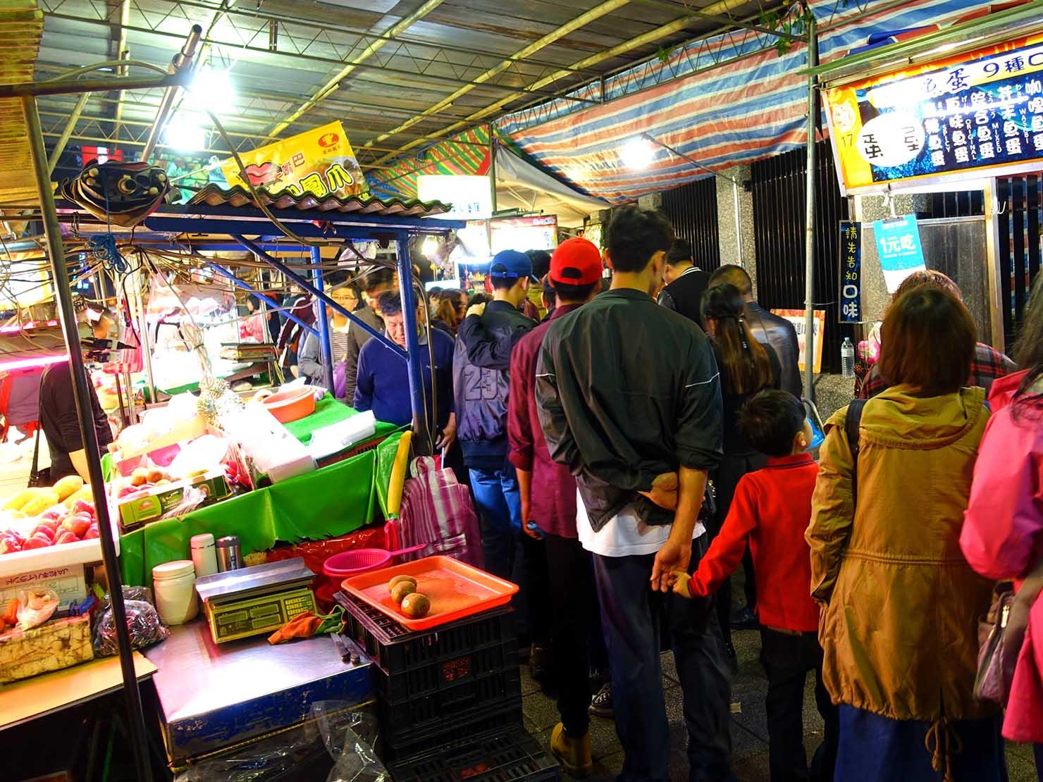 春節(旧正月)を迎えたの台北の観光スポット「寧夏夜市」