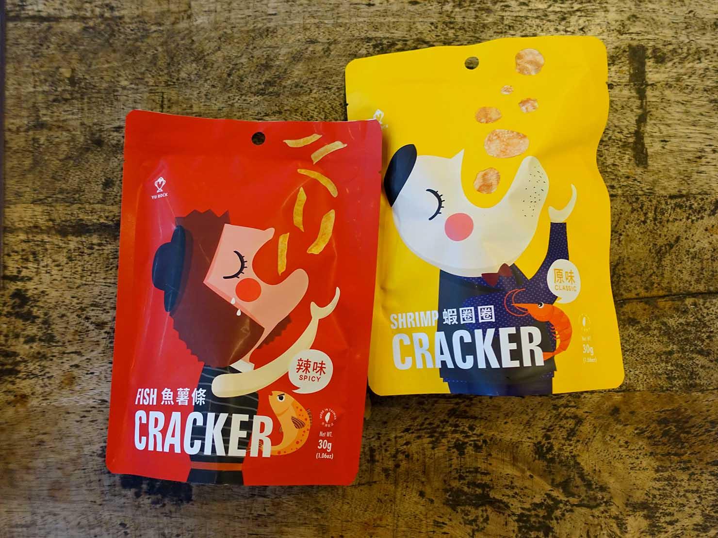 台北おみやげ探しにピッタリのスーパー「神農市集 MAJI FOOD&DELI」で見つけた「YU ROCK 蝦圈圈&魚薯條(エビ&フィッシュクラッカー)」パッケージ