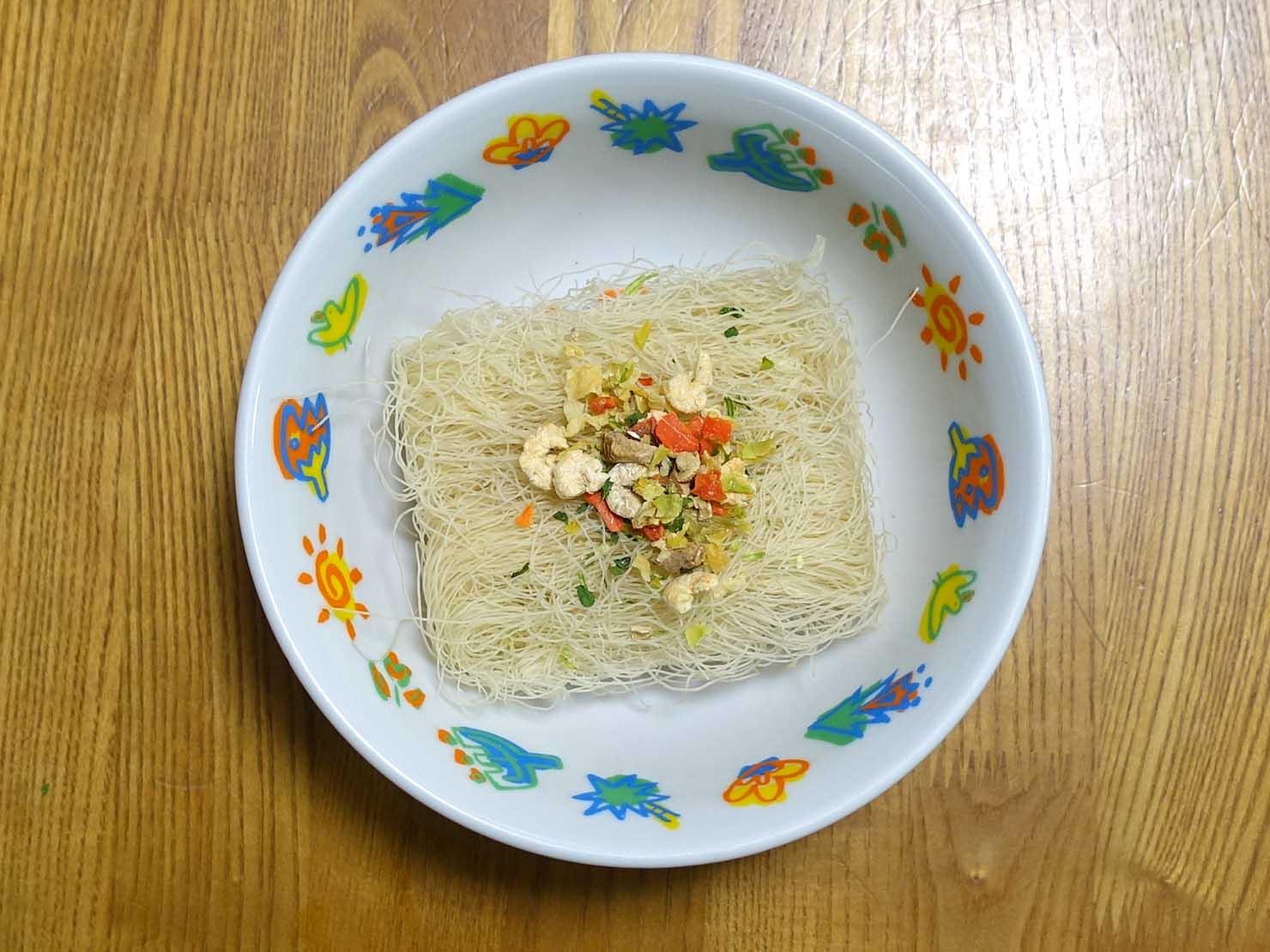 台湾おみやげ「老鍋米粉 台灣米粉炒(炒めビーフン)」の調理方法
