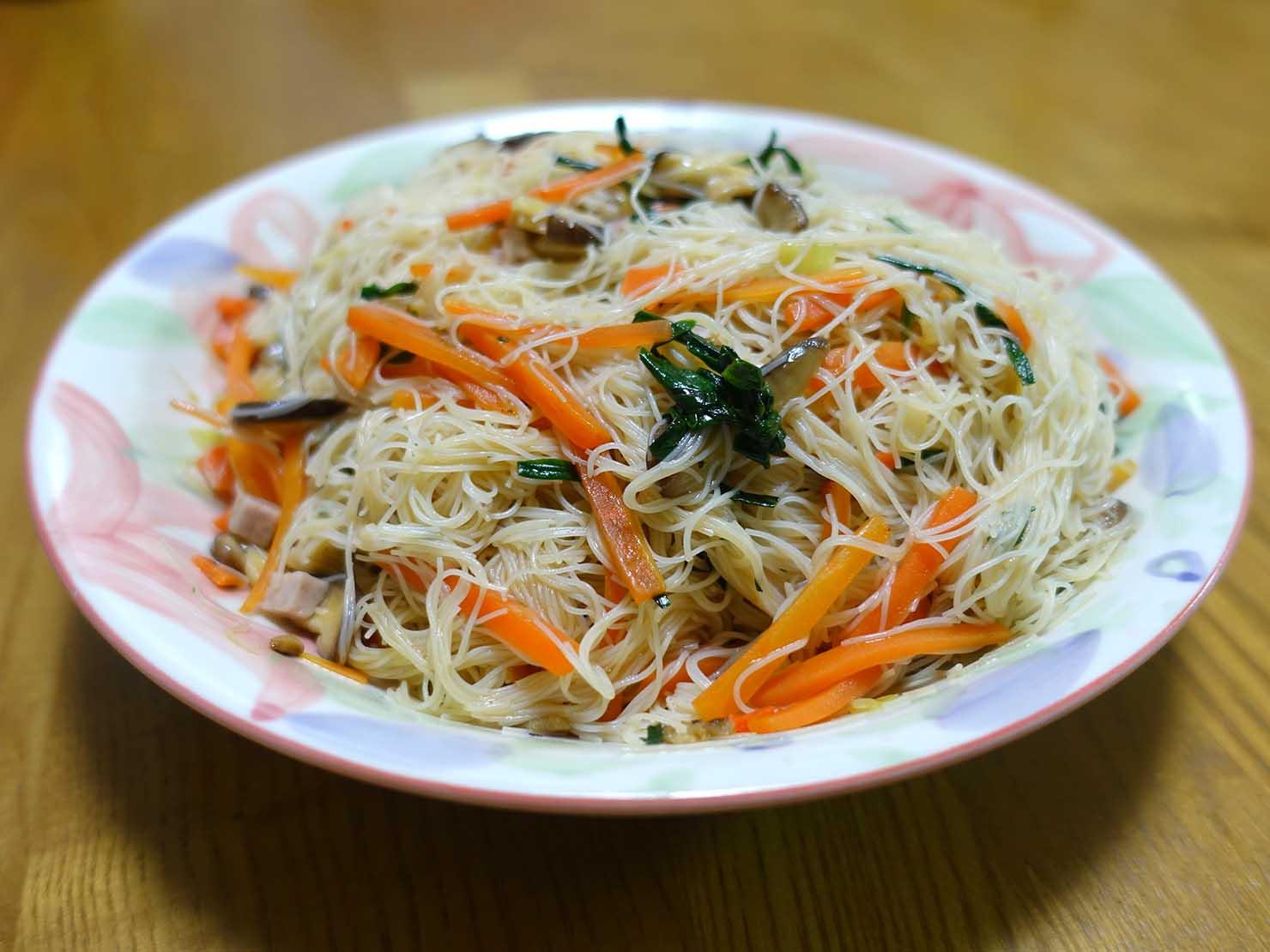 台湾おみやげ「老鍋米粉 台灣米粉炒(炒めビーフン)」調理例
