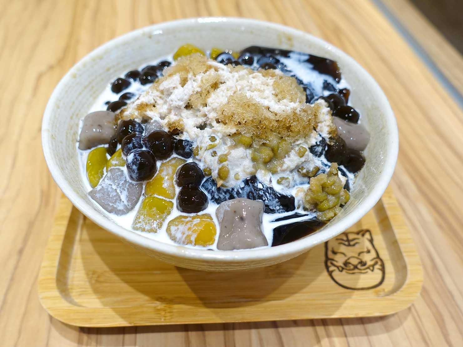 台北・中正紀念堂のおすすめグルメ店「屋琥甜冰品」の仙草6號(仙草ゼリー)