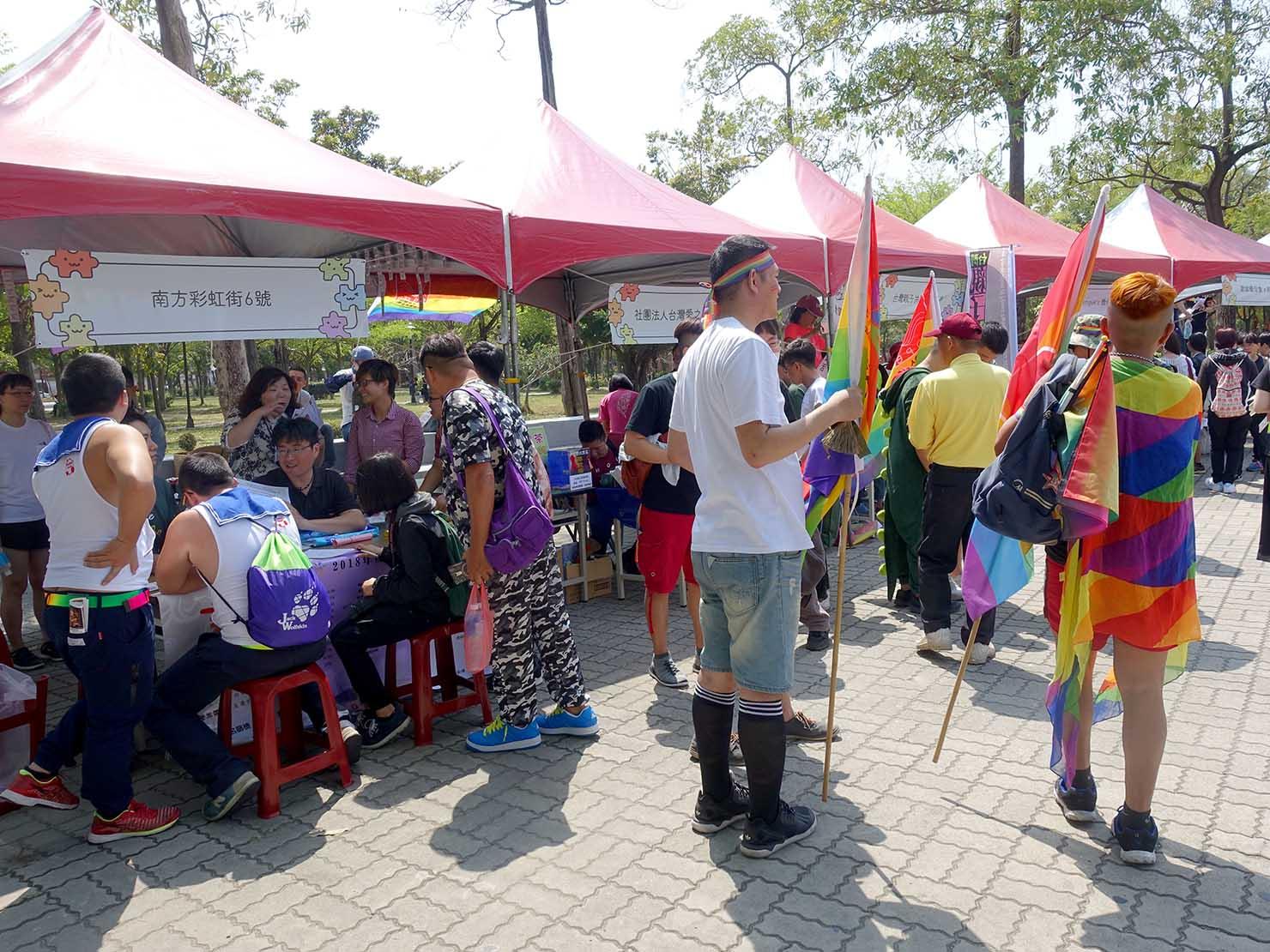 2018年台湾最初のLGBTプライド「台南彩虹遊行(台南レインボーパレード)」会場のブース