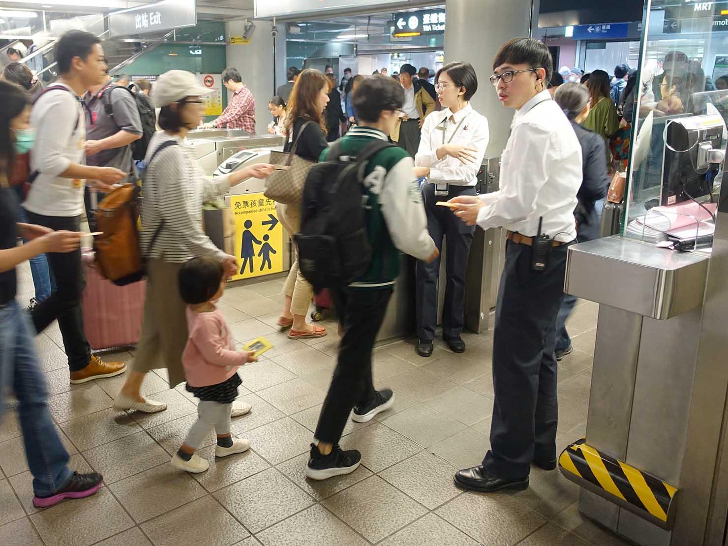 台湾新幹線(高鐵)台北駅の改札