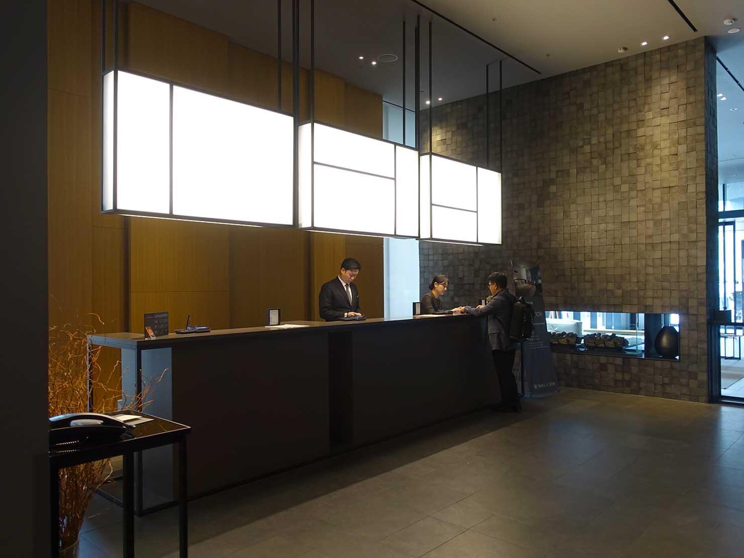 ソウル観光に超便利なアクセス抜群の特2級ホテル「新羅ステイ麻浦 Shilla Stay Mapo」のフロント