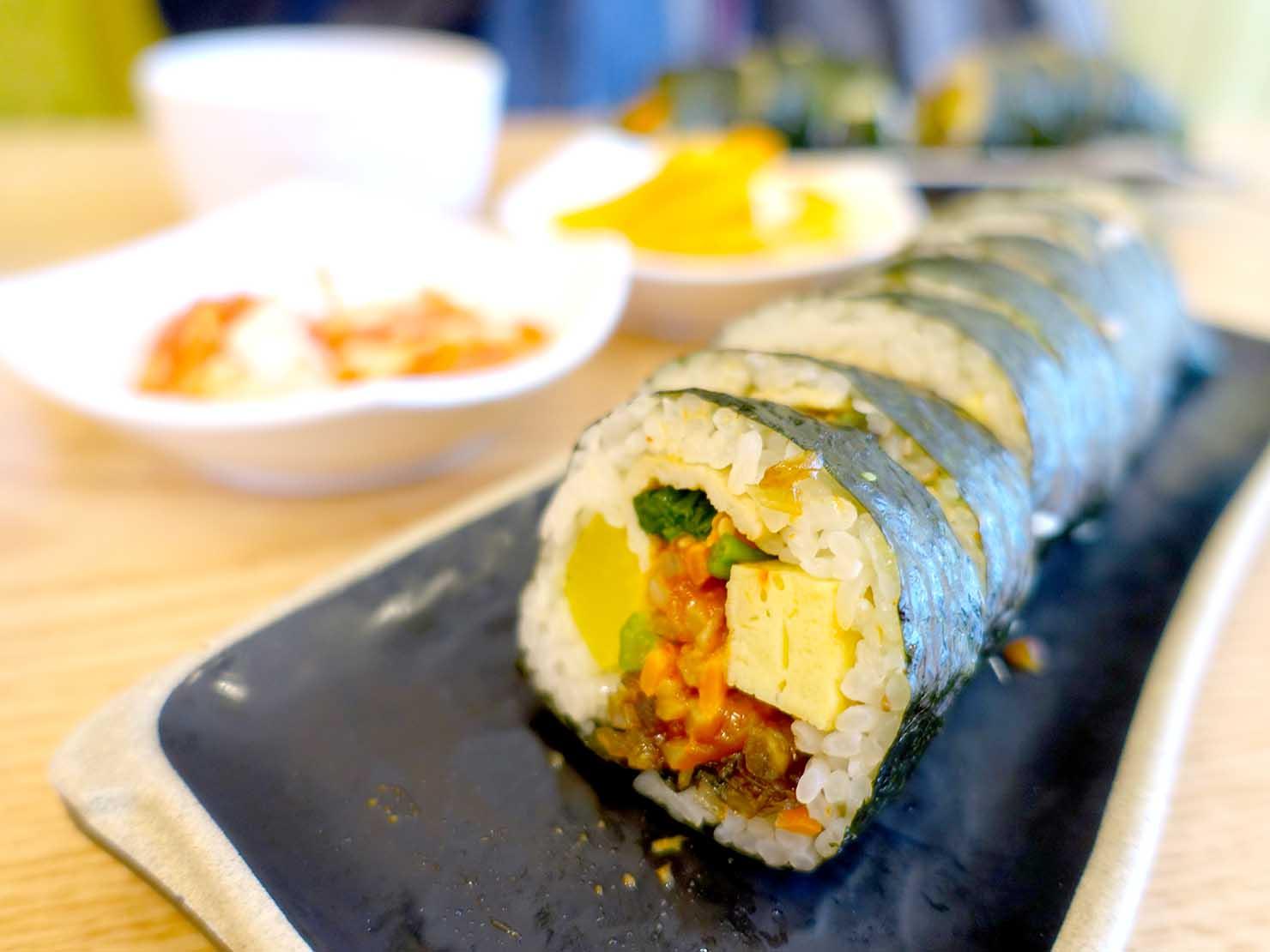 ソウル・孔德(공덕/コンドク)駅周辺で食べた韓国式海苔巻き「キムパプ(김밥)」