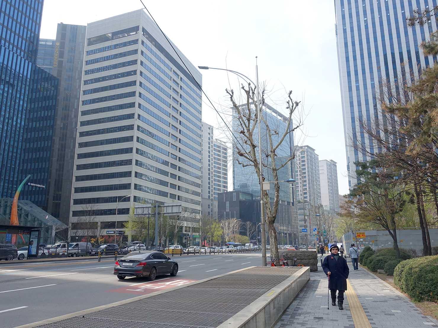 ソウル・孔德(공덕/コンドク)駅前の麻浦大路