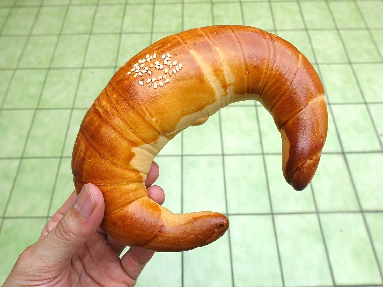 台湾でよく見かけるパン「金牛角」