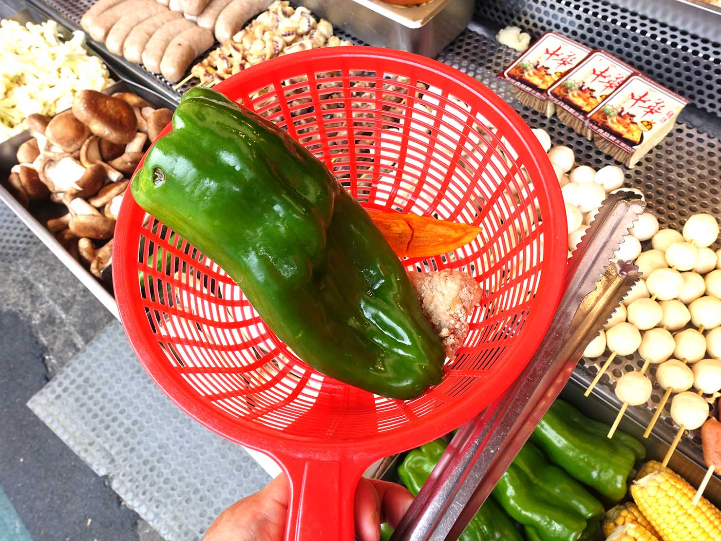 台北・師大夜市のおすすめ台湾グルメ店「師園鹹酥雞」のオーダーの仕方