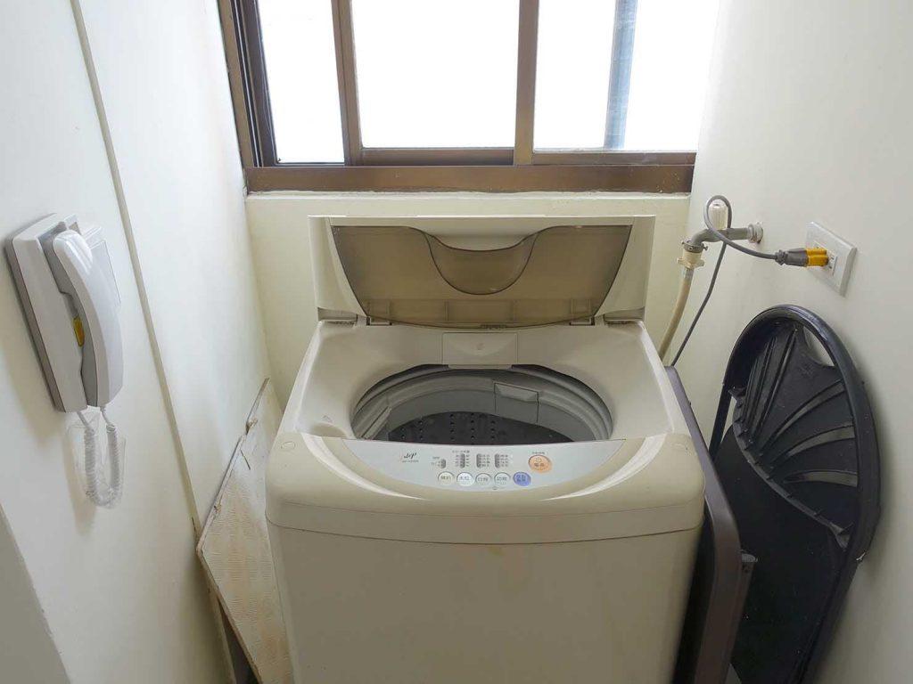 台北で台湾人彼氏と僕がルームシェアしている部屋の洗濯機