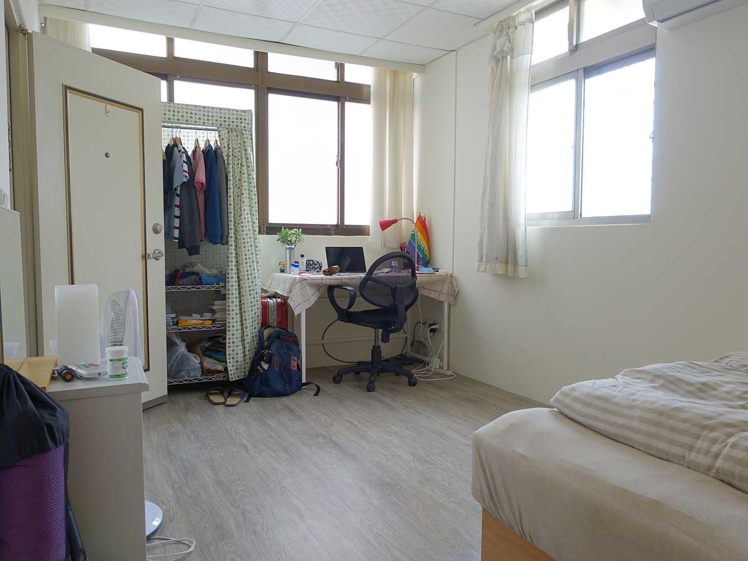 台北で台湾人彼氏と僕がルームシェアしている部屋の個室