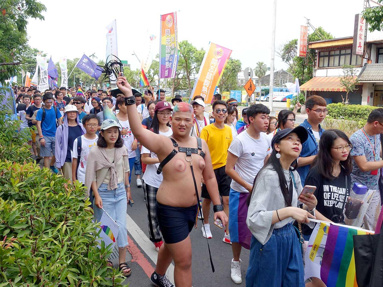 2018年台湾のLGBTプライド「宜蘭驕傲大遊行(宜蘭プライド)」パレードを歩く参加者たち