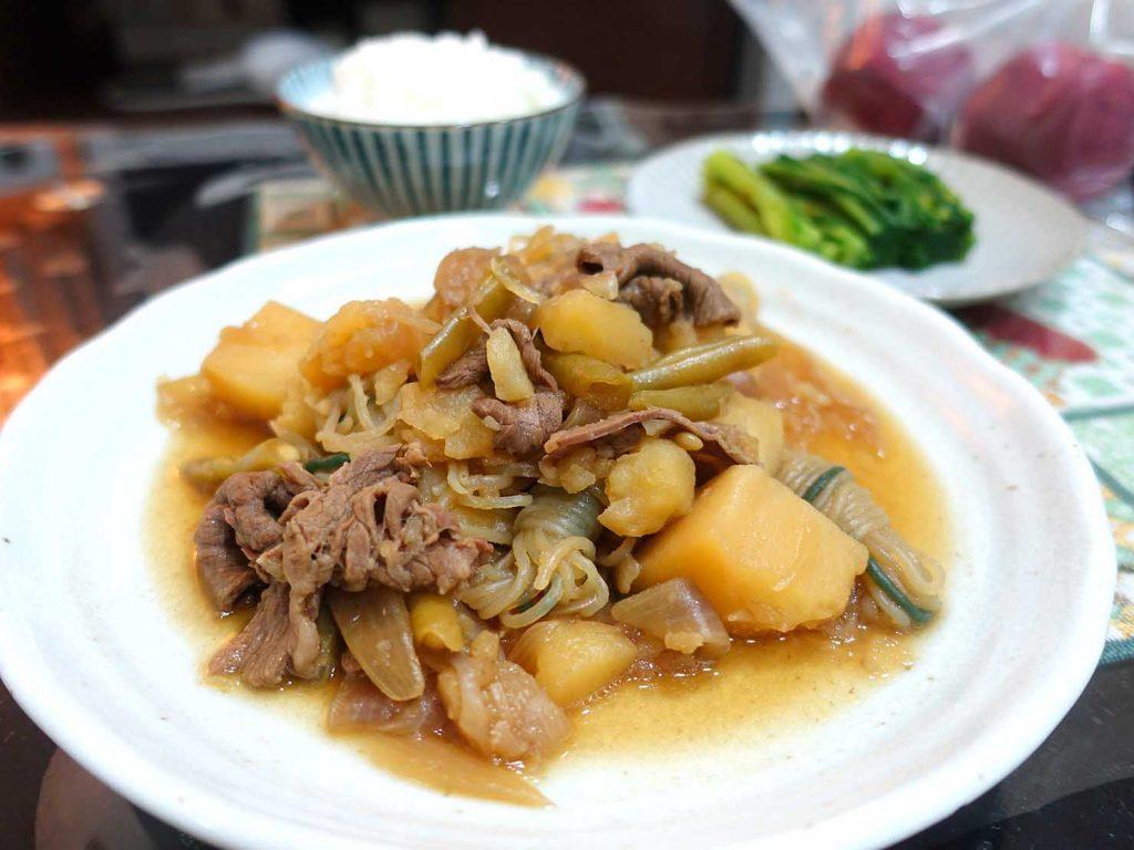 台湾家庭の必需品「大同電鍋(ダートン・ディエングオ)」で作った肉じゃが