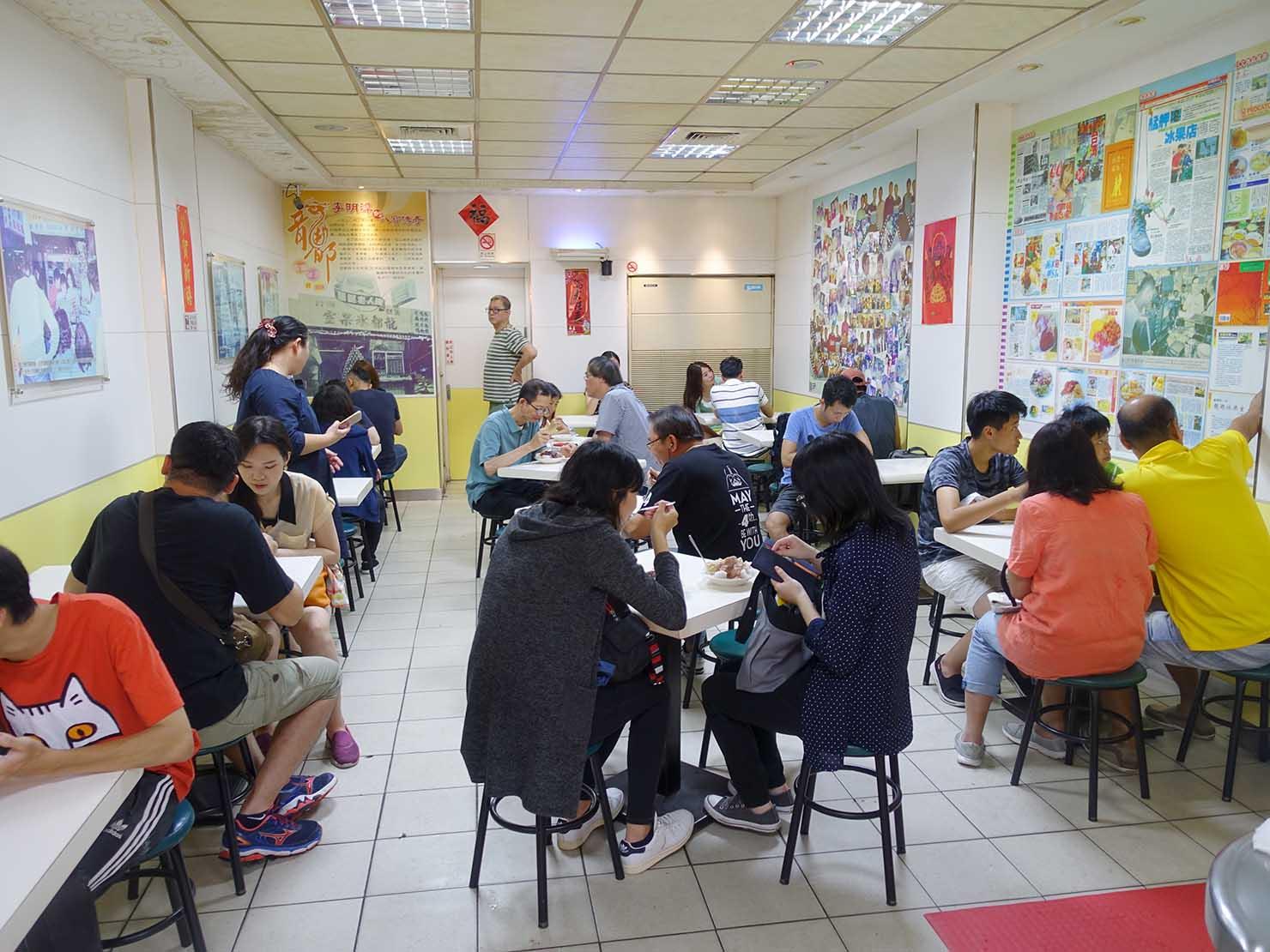 台北・龍山寺エリアのおすすめグルメ店「龍都冰菓專業家」の店内