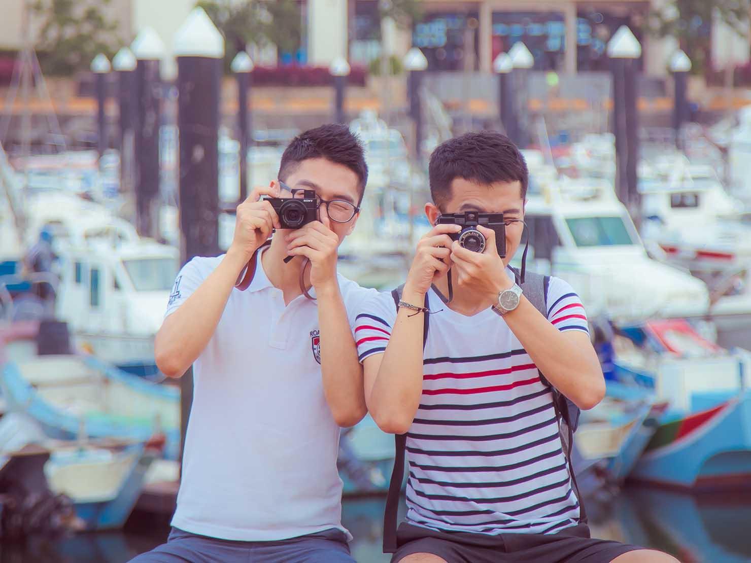 KKday台湾旅行・出張撮影サービス撮影サンプル(カメラを構える2人)