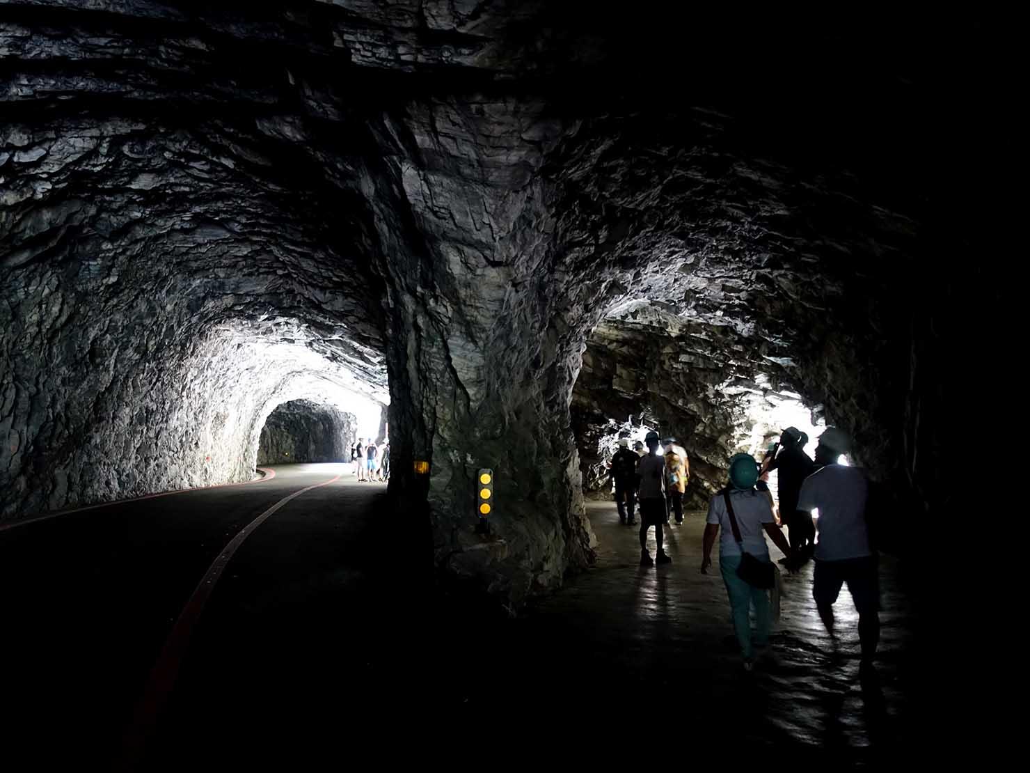 KKday外国人限定「花蓮・太魯閣(タロコ)日帰りツアー」燕子口のトンネル