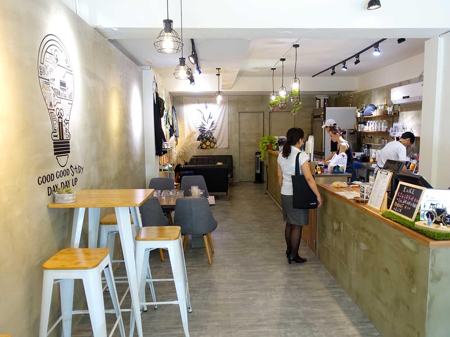 台北・行天宮のおすすめグルメ店「果汁几」の店内