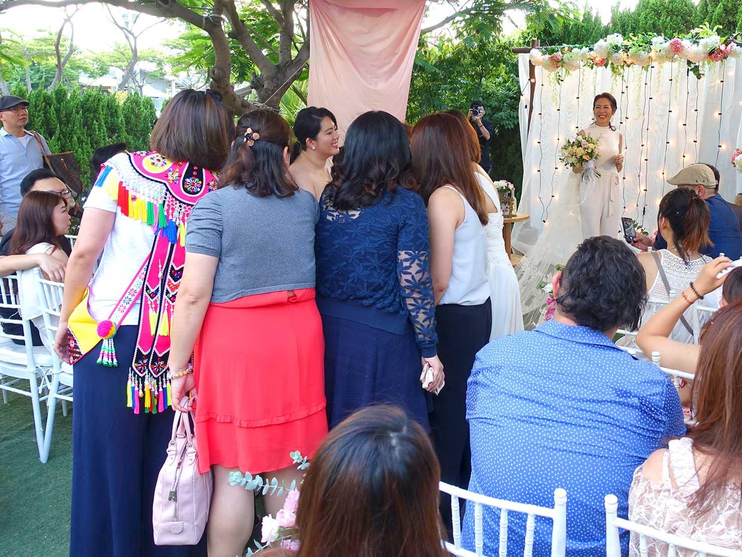 台湾の結婚式で行われたブーケトス