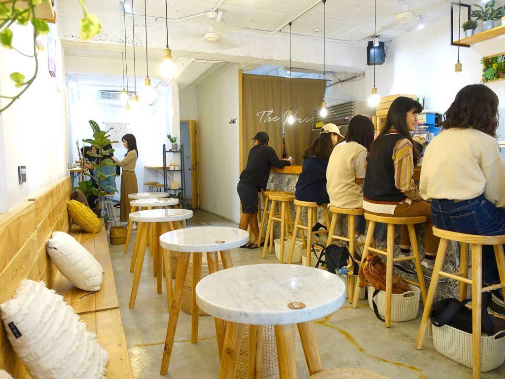 台北・中山駅周辺のおすすめグルメ店「The Wrice 來時」の店内