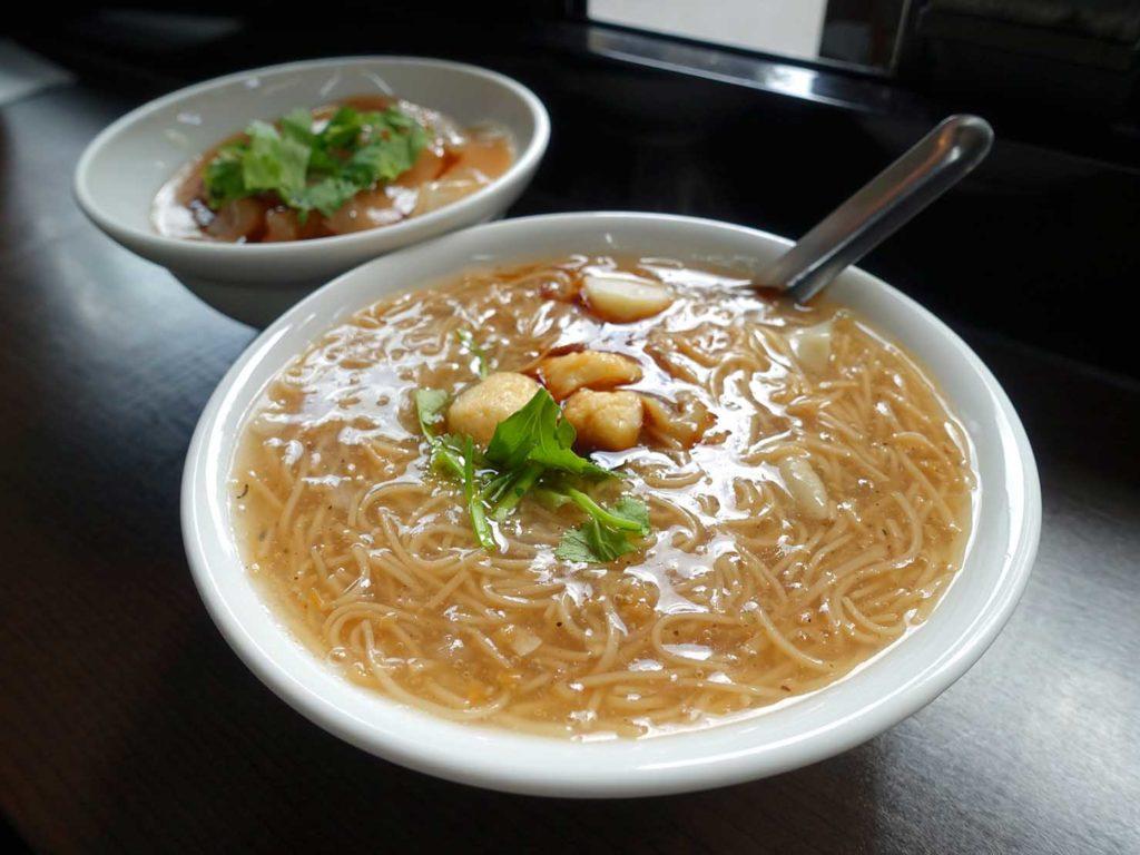 台北・中山駅周辺のおすすめグルメ店「食字路口」の大腸麵線