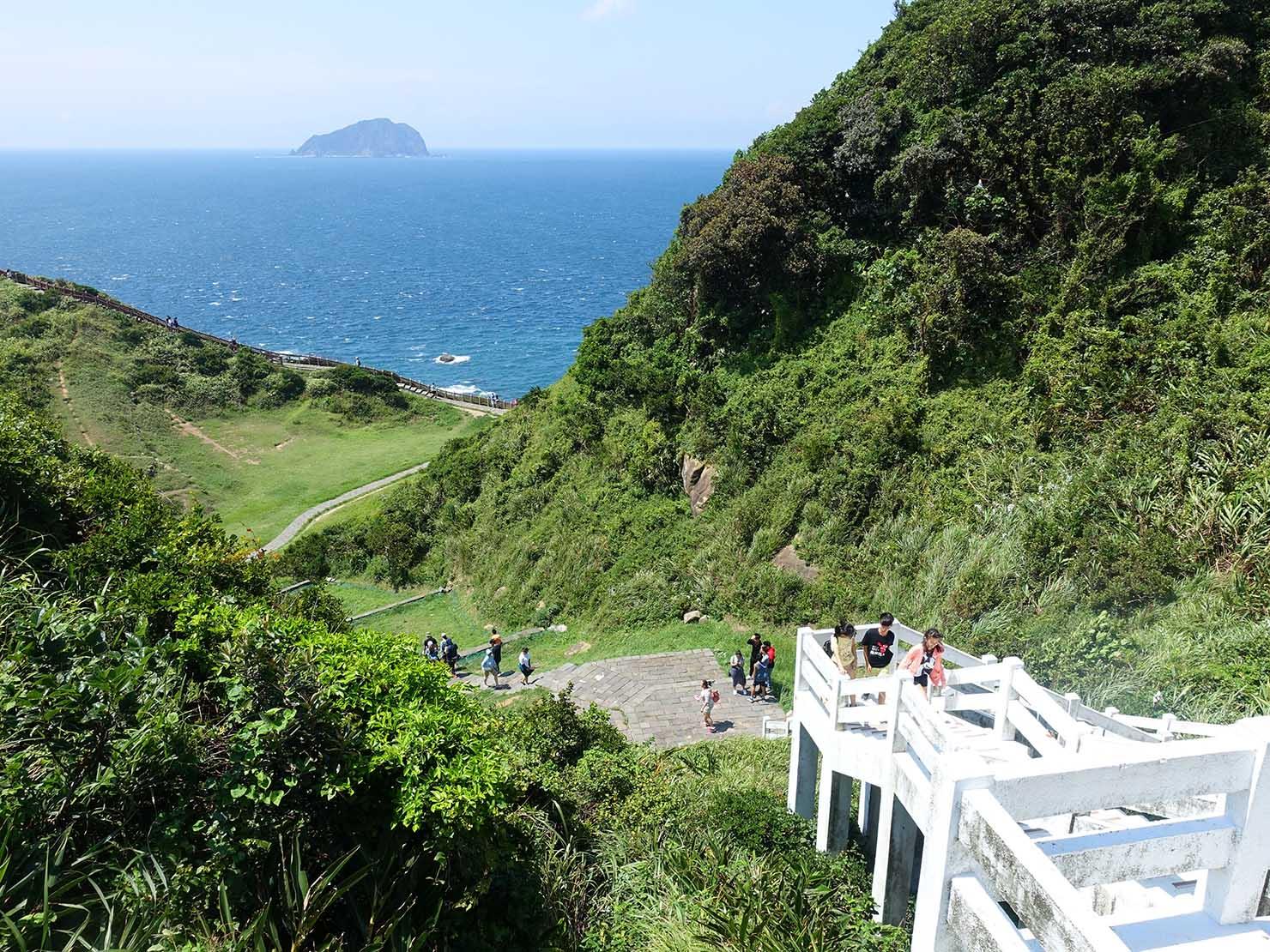 台北から日帰りで行ける基隆・望幽谷の入り口から眺める海