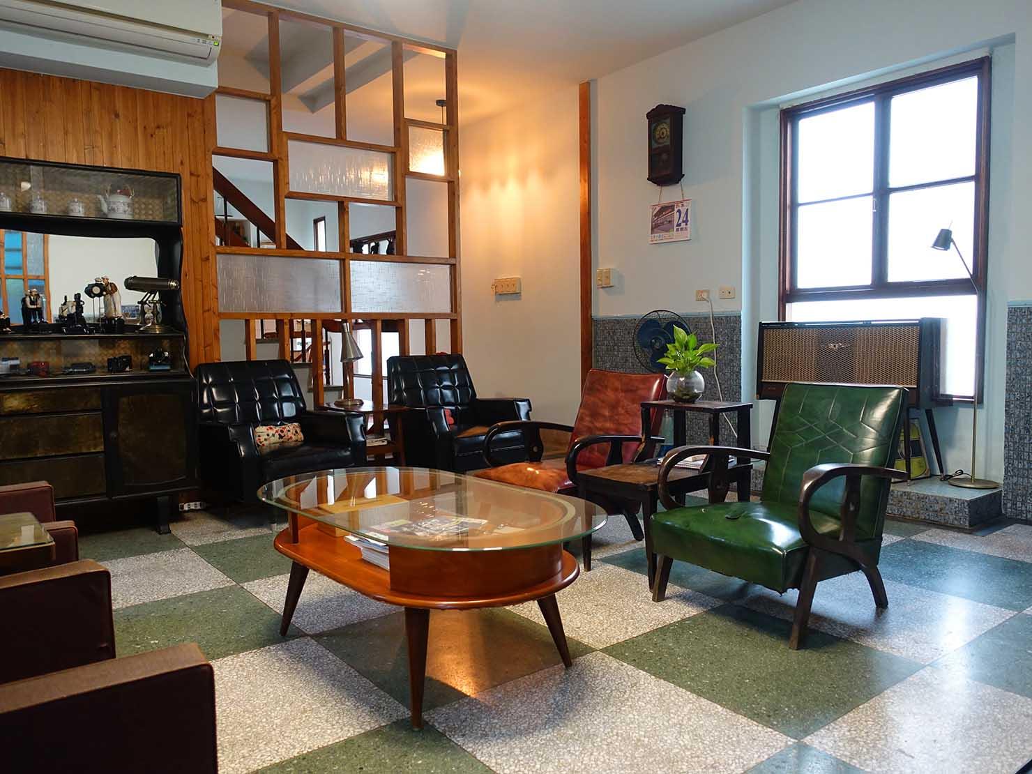 台南観光におすすめな古民家ゲストハウス「散步strolling」のリビング2