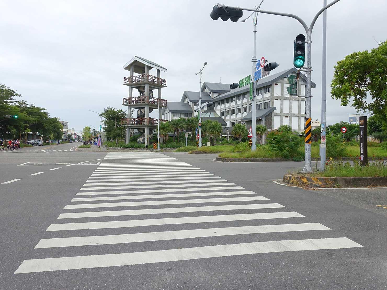 台東森林公園前の横断歩道