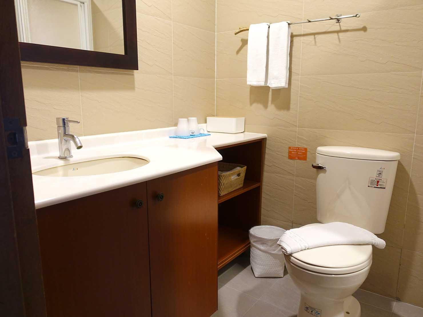 台湾・台東市街のおすすめホテル「MATA家屋」の守護雙人房(ダブルルーム)のトイレ
