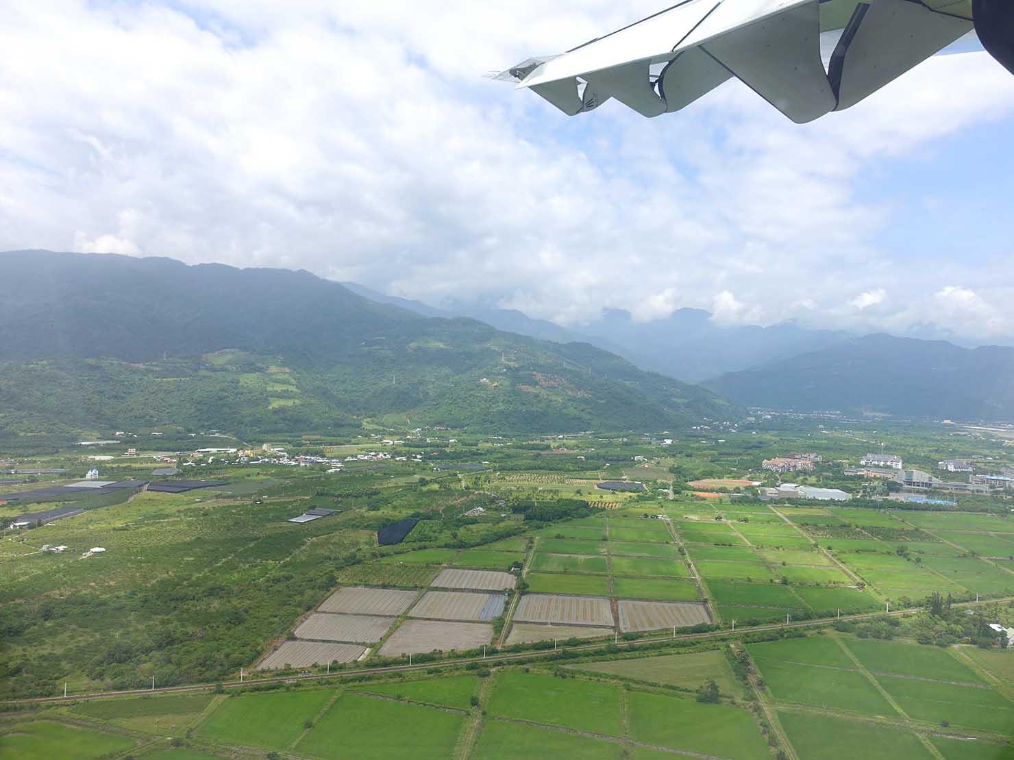 飛行機から眺める台東の田園風景