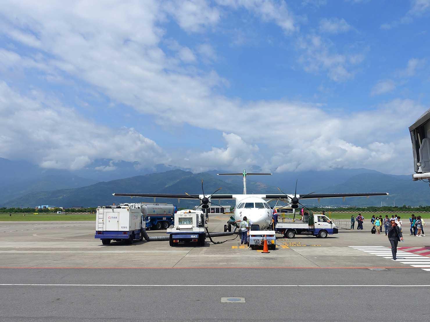 台東空港に到着した飛行機