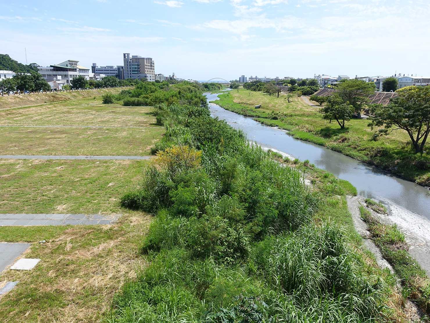 台東市内の河原