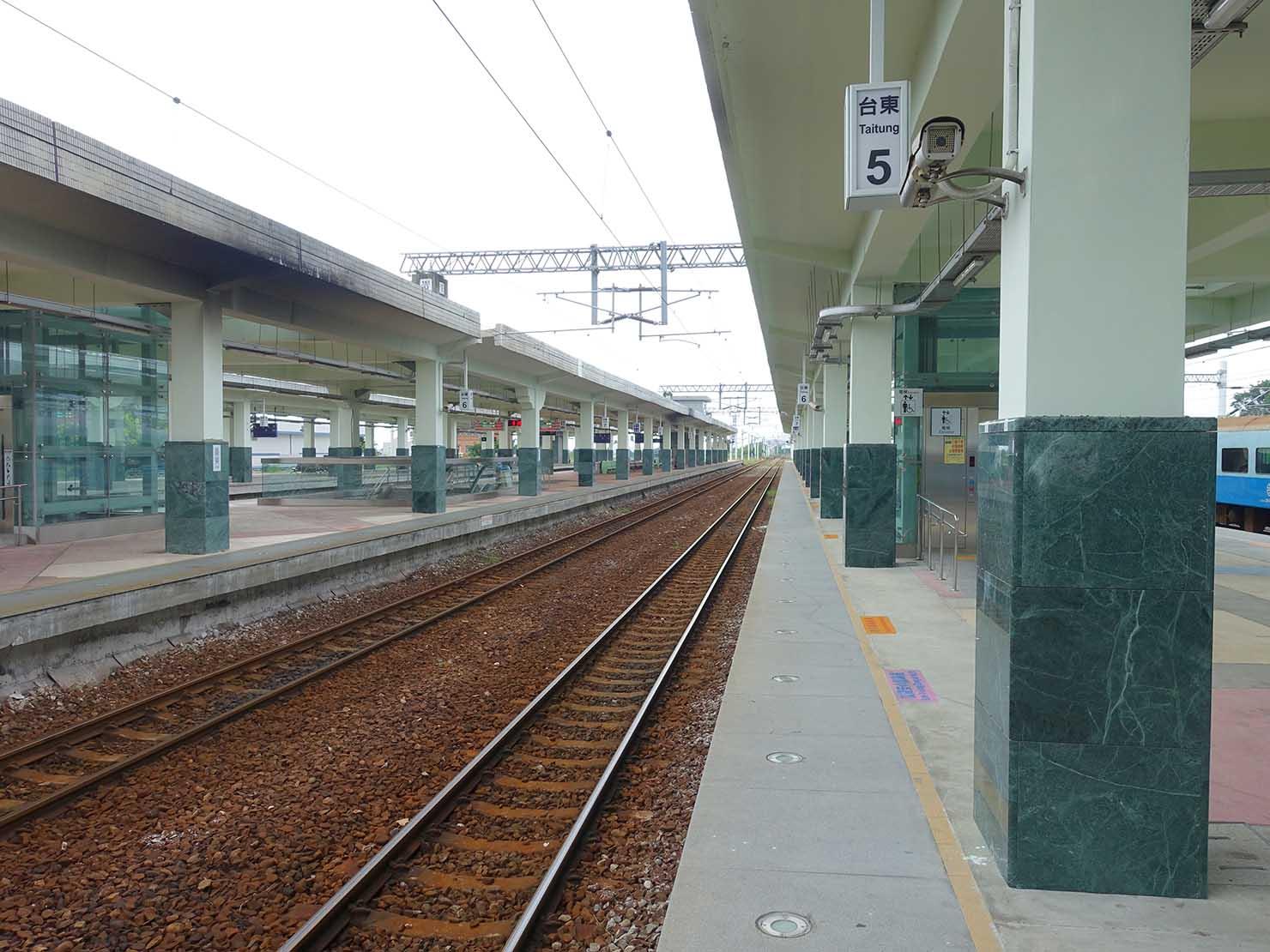 台湾鉄道・台東駅のホーム