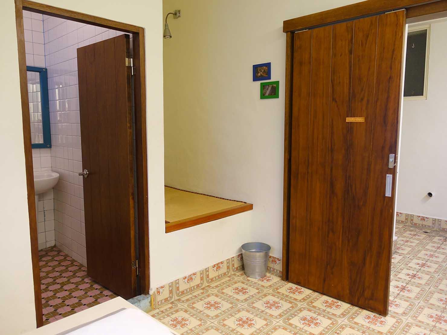 花蓮市街中心部のレトロかわいいおすすめゲストハウス「花蓮日日 Hualien dairy」の單人房(シングルルーム)の畳スペース