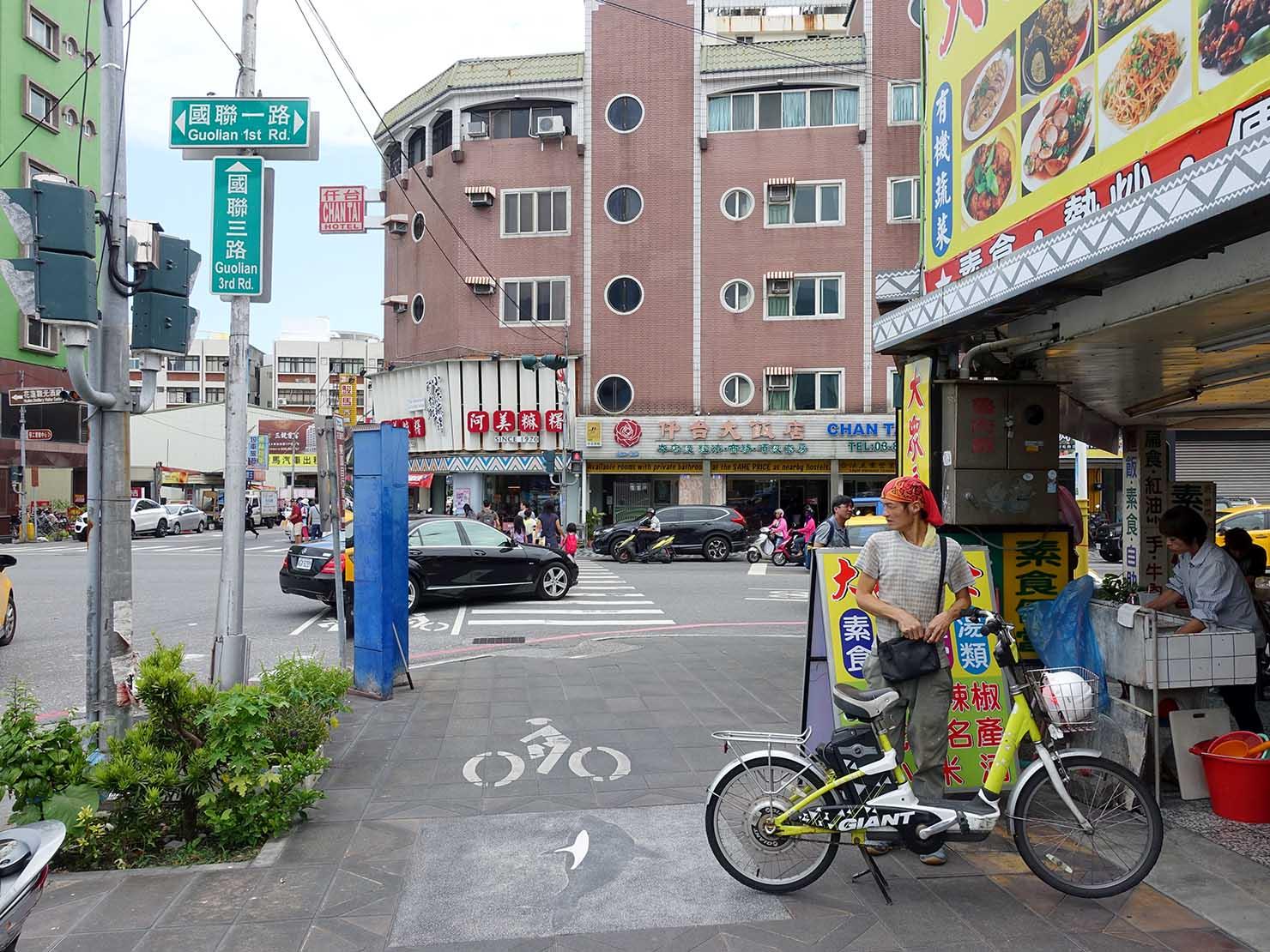 台湾鉄道・花蓮駅前の交差点