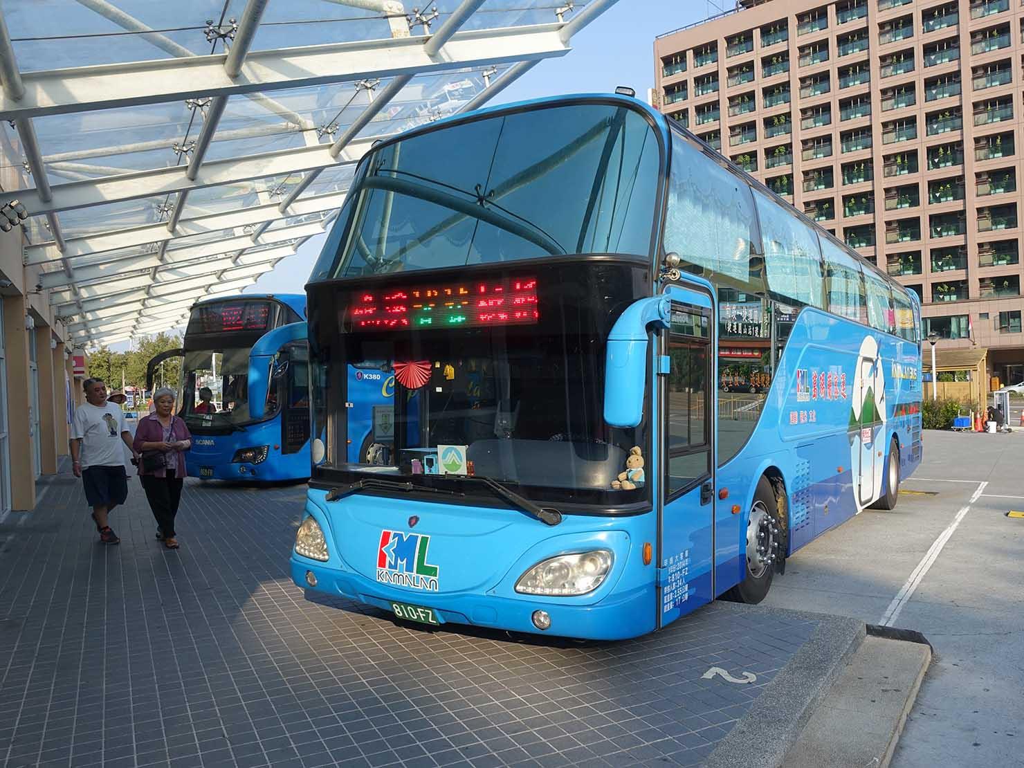 宜蘭・礁溪バスターミナルに並ぶ葛瑪蘭客運のバス