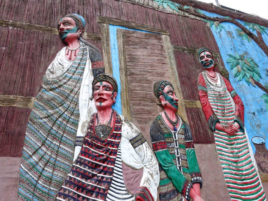 台北・烏來温泉の街角で見つけた泰雅族(タイヤル族)の肖像