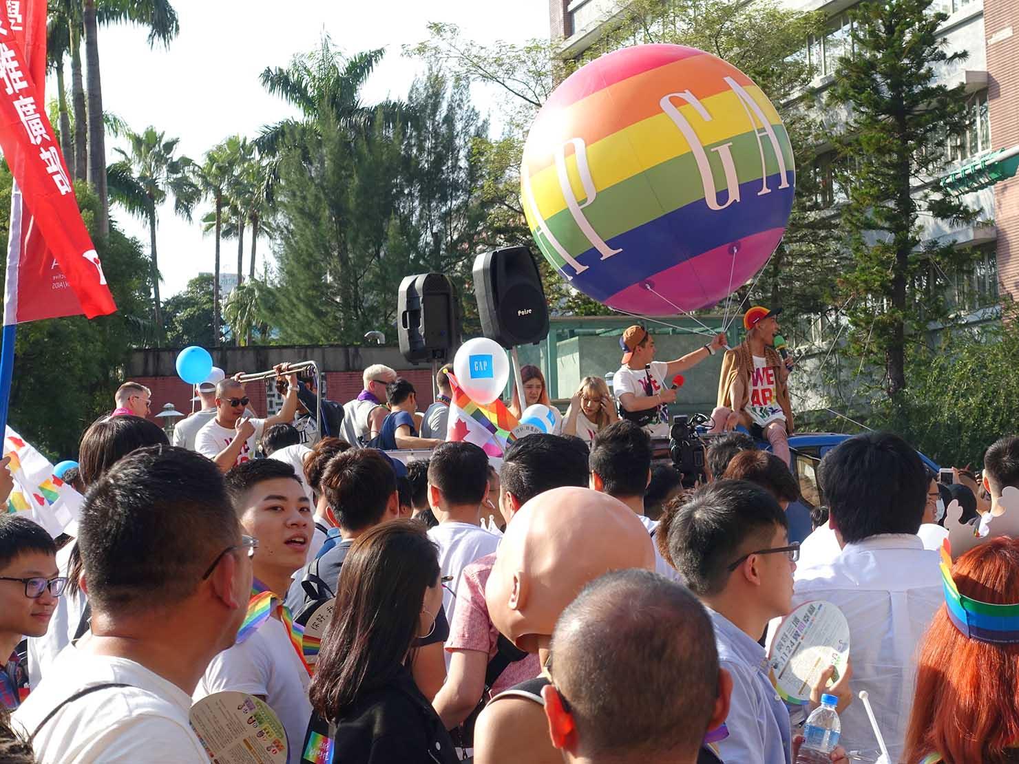 台灣同志遊行(台湾LGBTプライド)2018パレード協賛企業のバルーン