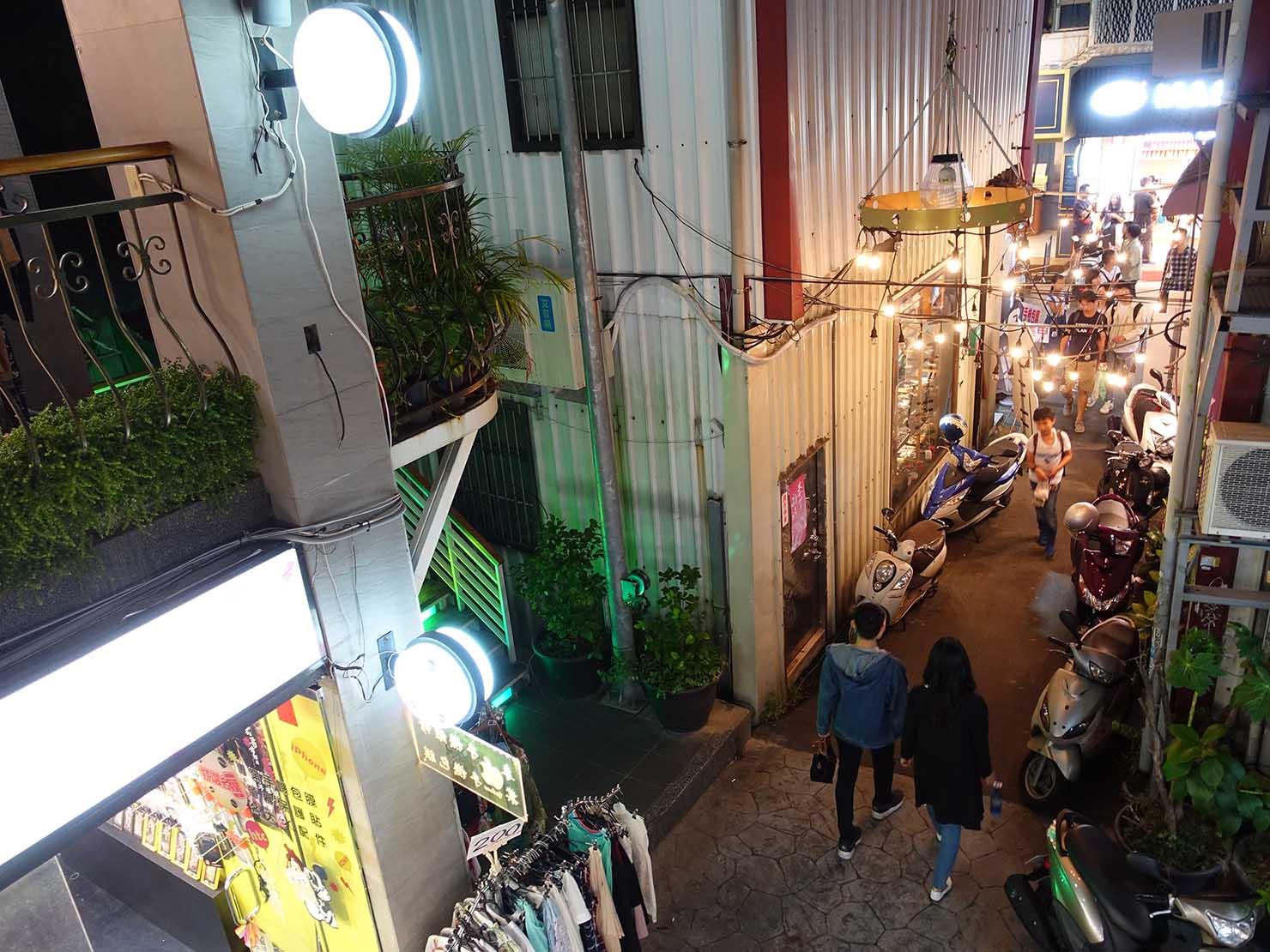 台中観光のおすすめスポット「一中街」のおしゃれな路地裏