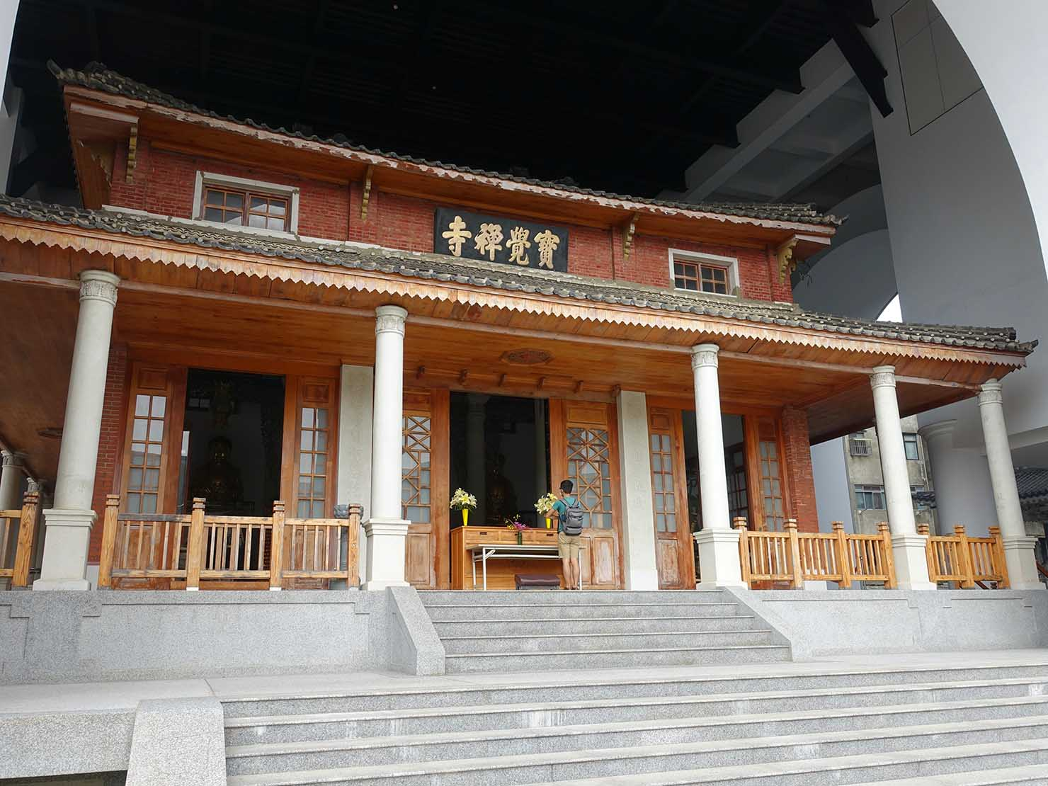台中観光のおすすめスポット「寶覺寺」