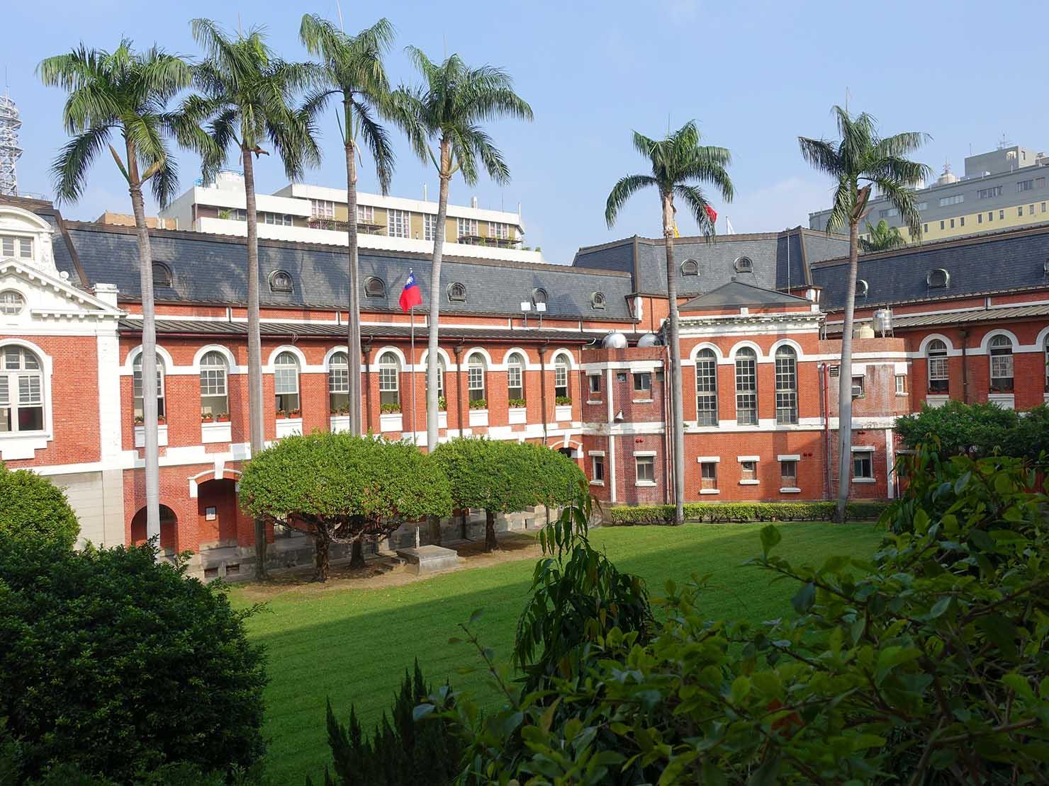 台中観光のおすすめスポット「台中州廳」の内部