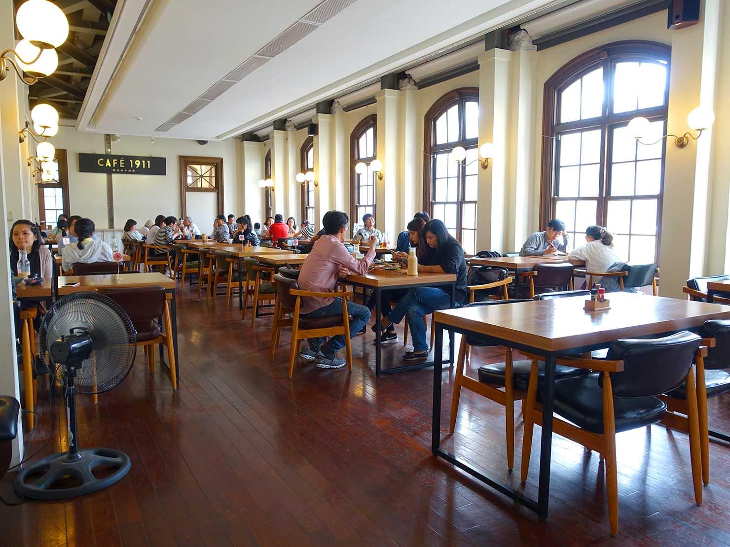 台中観光のおすすめスポット「台中市役所」内のカフェ