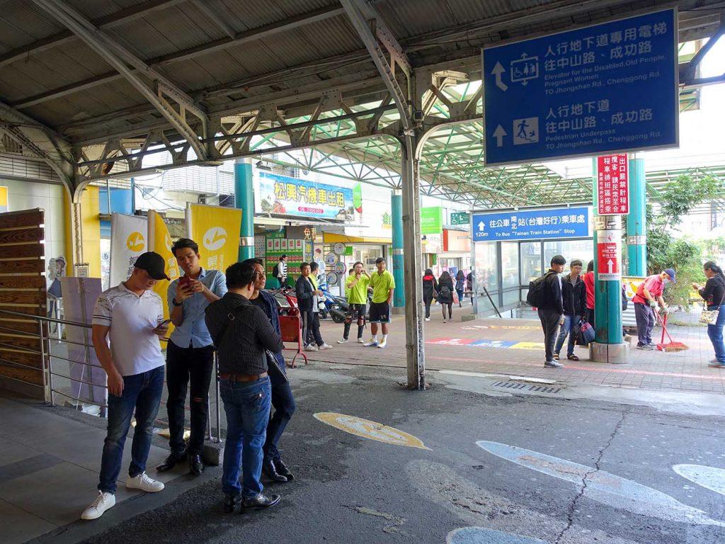 台鐵(台湾鉄道)台南駅の改札前