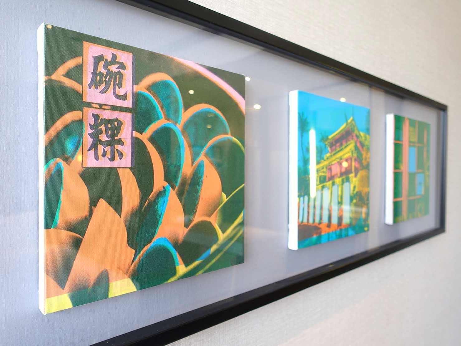台南市内観光におすすめのホテル「長悅旅棧」長悅經典客房(クラシカルルーム)に飾られたグラフィックアート